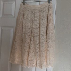 Beautiful cream lace skirt  for Spring!